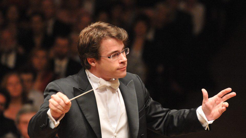 Mladý dirigent Jakub Hrůša